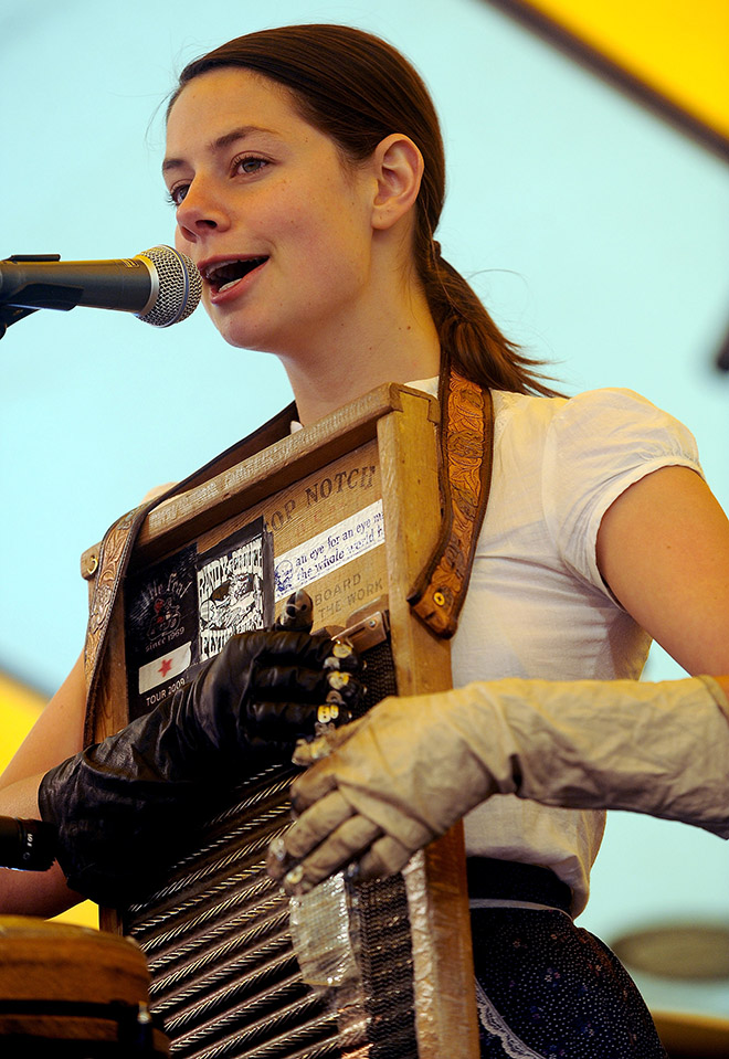 Bonnie Paine of Elephant Revival plays the washboard Sunday, May 30, 2010 on the final day of the Meadowgrass Music Festival. (The Gazette, Christian Murdock)