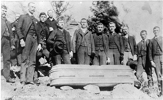 Emma Crawford's coffin from 1891.