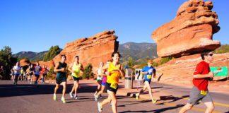 runners at garden of the gods race