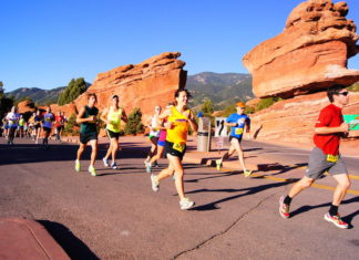 runners at garden of the gods race