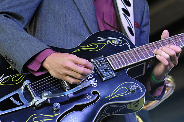 lightning guitar at blues under the bridge