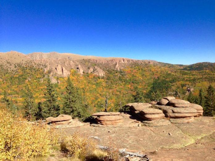 fall color hikes pancake rocks