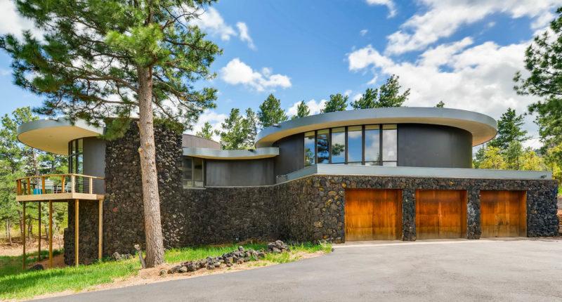 midcentury modern home exterior
