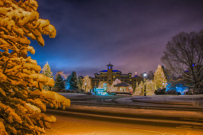 holiday lights broadmoor