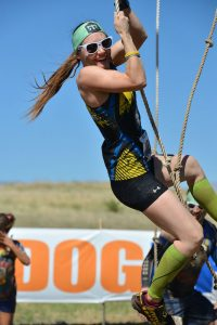 obstacle course races rope swing